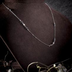 Collier argent et petites perles