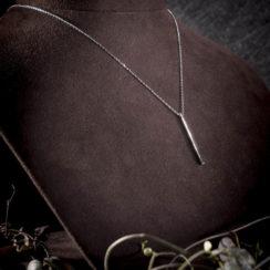 Collier argent avec pendentif long